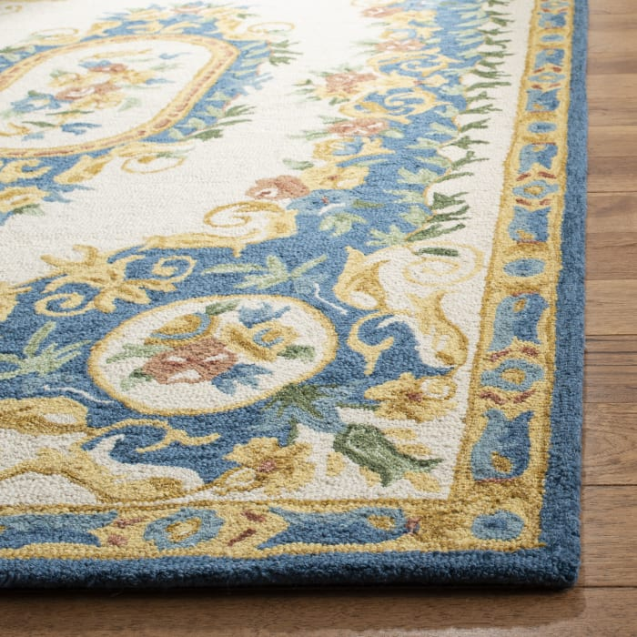 Essence 601 5' X 8' Ivory Wool Rug