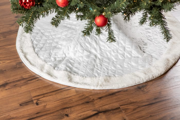 Cream Diamond Quilted Holiday Tree Skirt