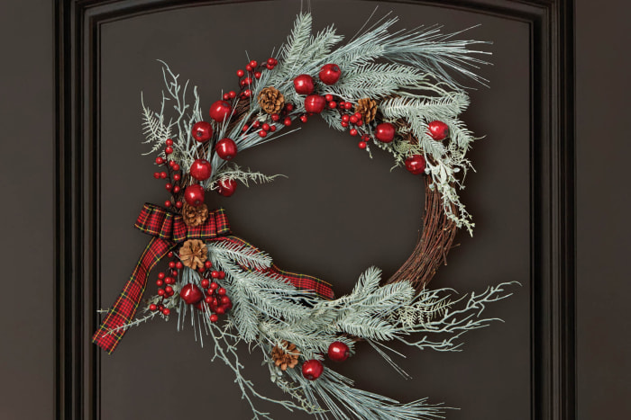 Holiday Frosted Berry Sprig Wreath