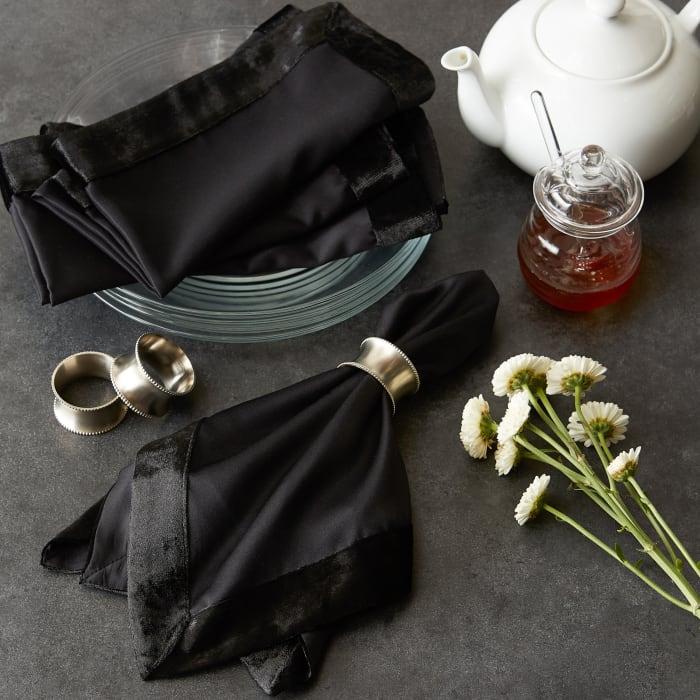 Black Velvet Trimmed Napkin (Set of 4)