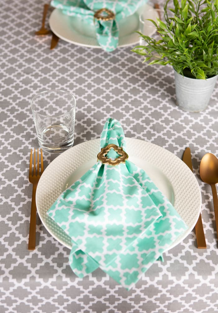 Gray Lattice Tablecloth 60x104