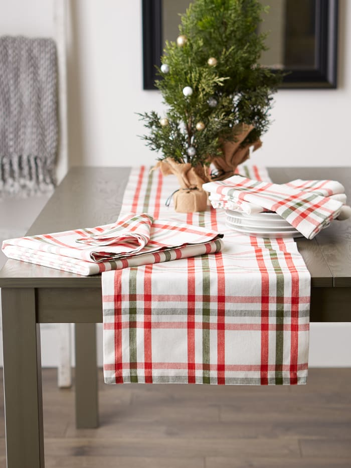 Kitchen & Tabletop Jolly Tree Collection Tablecloth, Nutcracker Plaid, 70