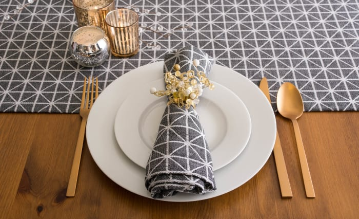 Black and White Triangle Table Runner 14x72