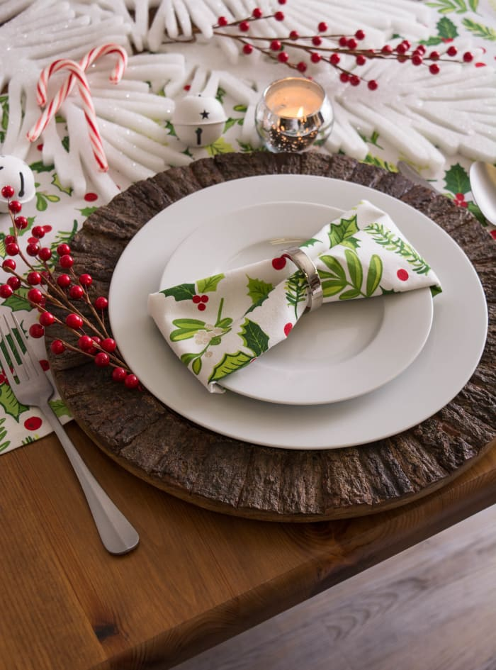Boughs of Holly Print Table Runner 14x108