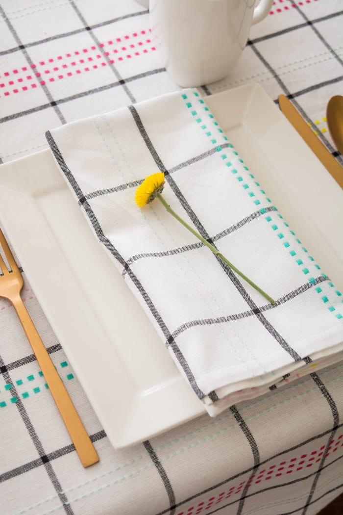 Color Pop Plaid Tablecloth 60x104