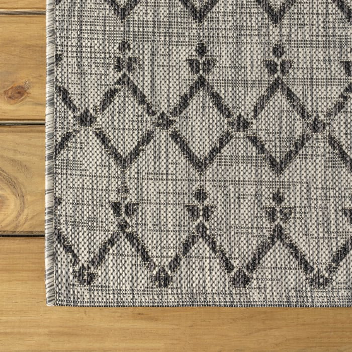 Moroccan Geometric Textured Weave Indoor/Outdoor Light Gray/Black Area Rug