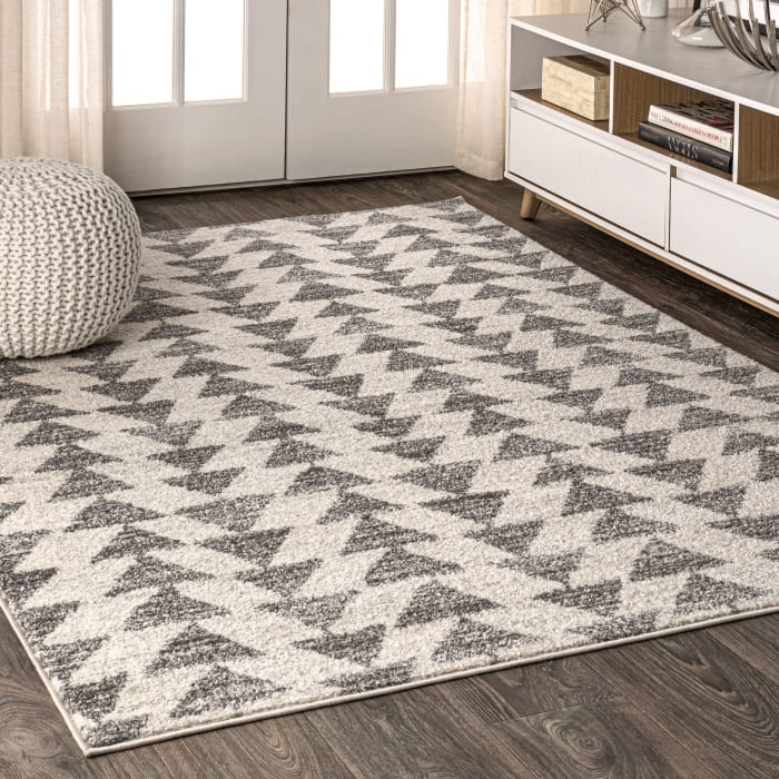 Moroccan Triangle Geometric  Cream/Gray Area Rug