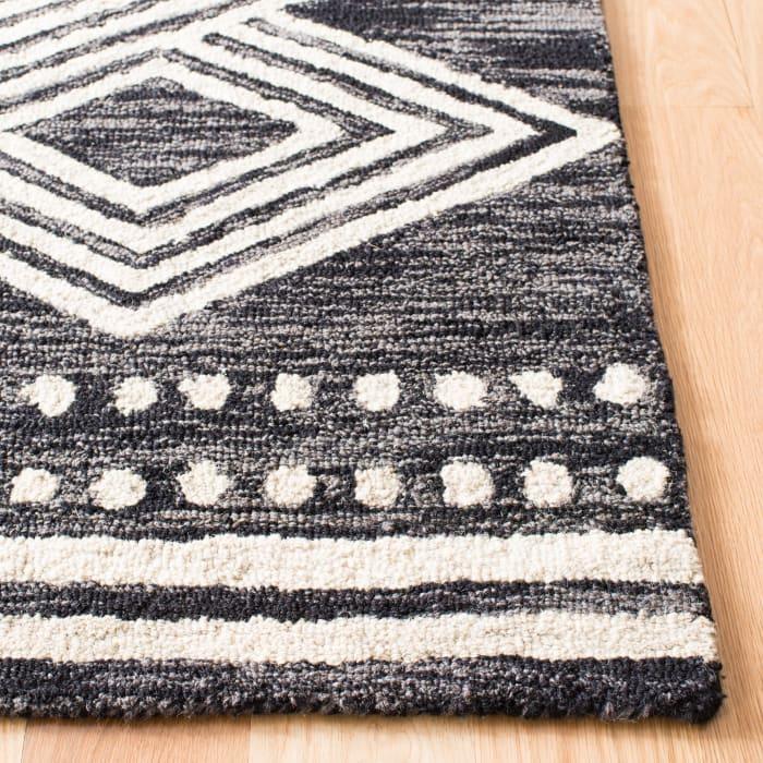 Essence Black Wool Rug 4' x 6'