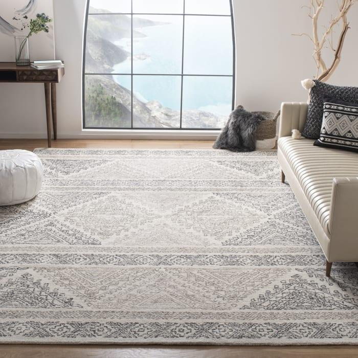 Essence Ivory Wool Rug 8' x 10'