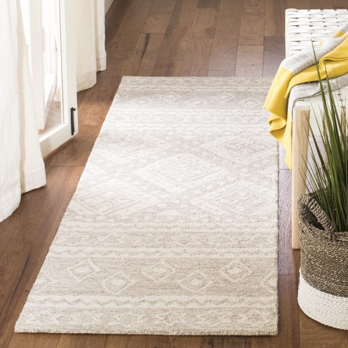 Essence Natural Wool Rug 2.5' x 9'