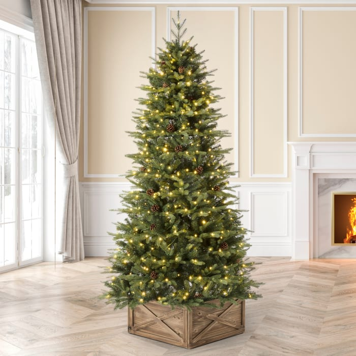 Pre-Lit Green Fir Artificial Christmas Tree with 500 LED Lights and remote controller
