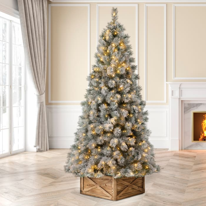 Pre-Lit Snow Flocked Artificial Spruce Christmas Tree with 650 Warm White Lights and a Storage Bag