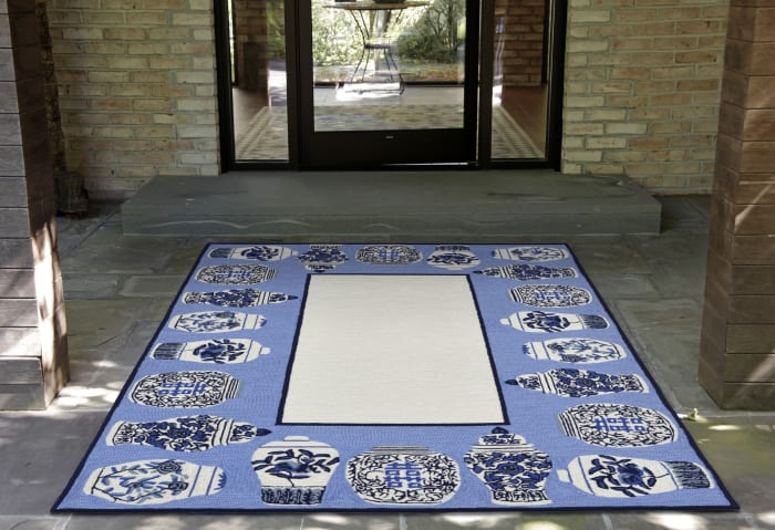 Ginger Jars Blue 2' x 3' Rug