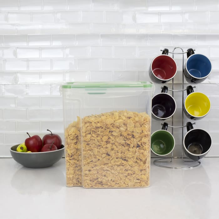 Locking Plastic Cereal Storage Container with Spoon