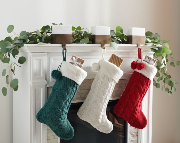 Cinnamon 12 x 20 Stocking in Red