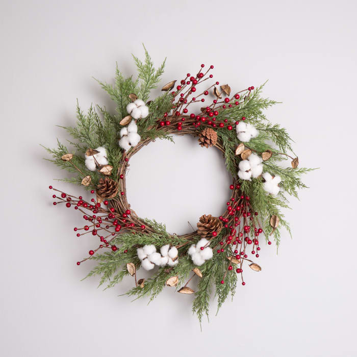 Christmas Cotton & Berries Wreath