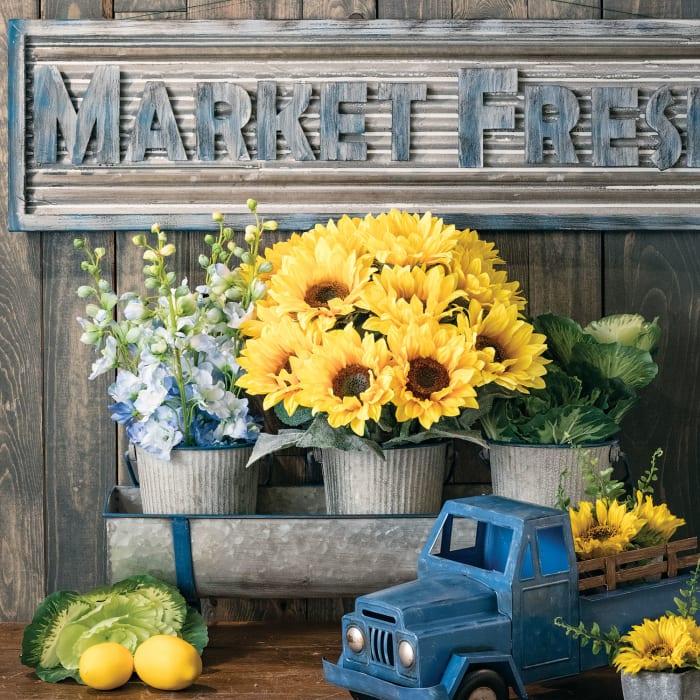 Metal Market Fresh Sign