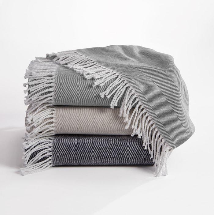 Herringbone Throw Gray/White