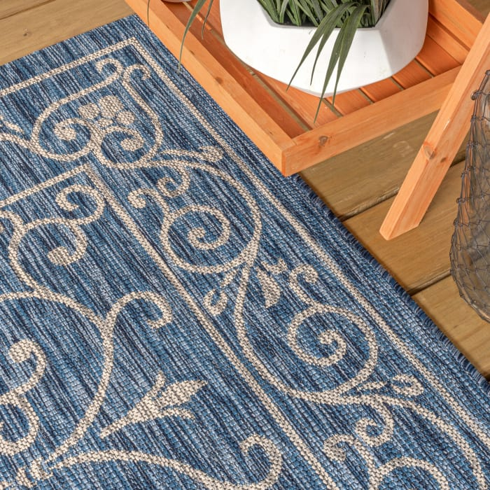 Vintage Filigree Textured Weave Indoor/Outdoor Navy/Gray 5' x 8' Area Rug