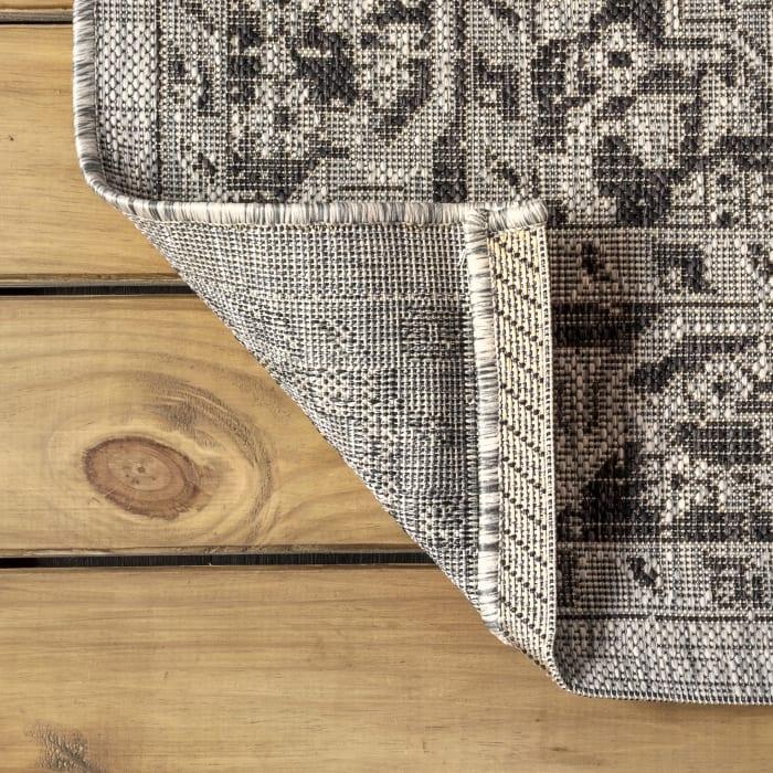 Boho Medallion Textured Weave Indoor/Outdoor Gray/Black 5' x 8' Area Rug