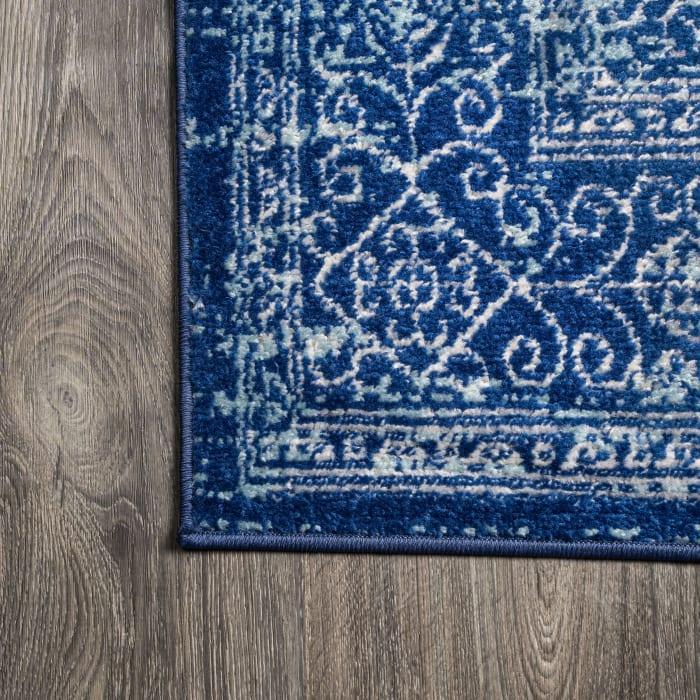 Filigree Blue and White Blue 4' x 6' Area Rug
