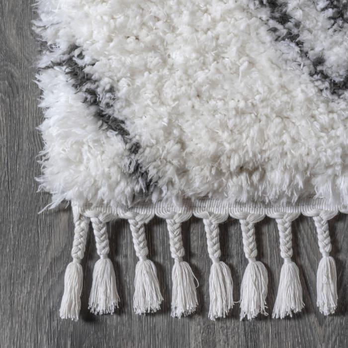 Moroccan Style Diamond Shag Ivory/Dark Gray 5' x 8' Area Rug