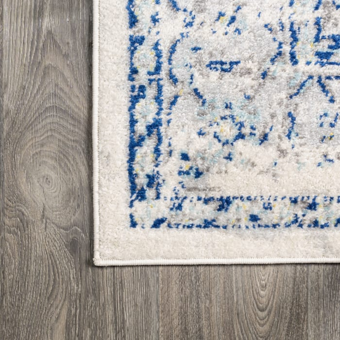 Blue and White Cottage Medallion Blue/Gray 8' x 10' Area Rug