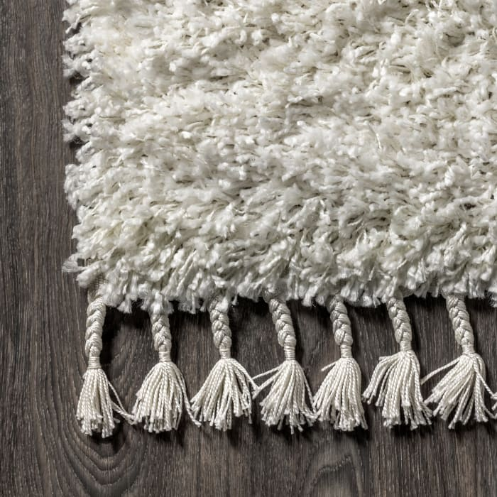 Shag Plush Tassel White 5' x 8' Area Rug