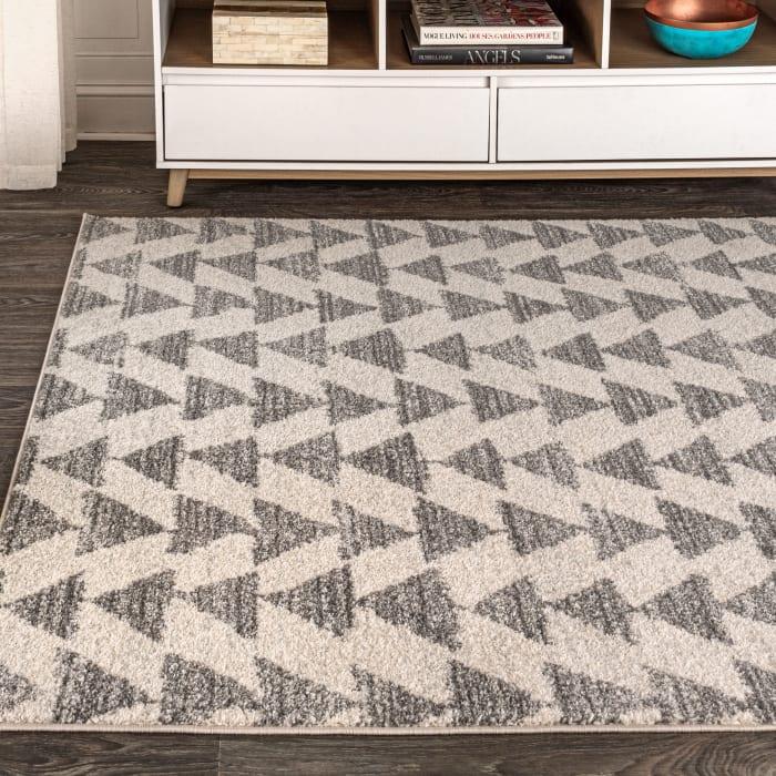 Moroccan Triangle Geometric  Cream/Gray 5' x 8' Area Rug
