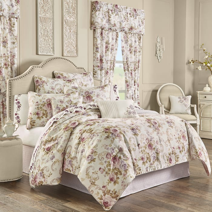 Chambord Lavender Queen 4Pc. Comforter Set