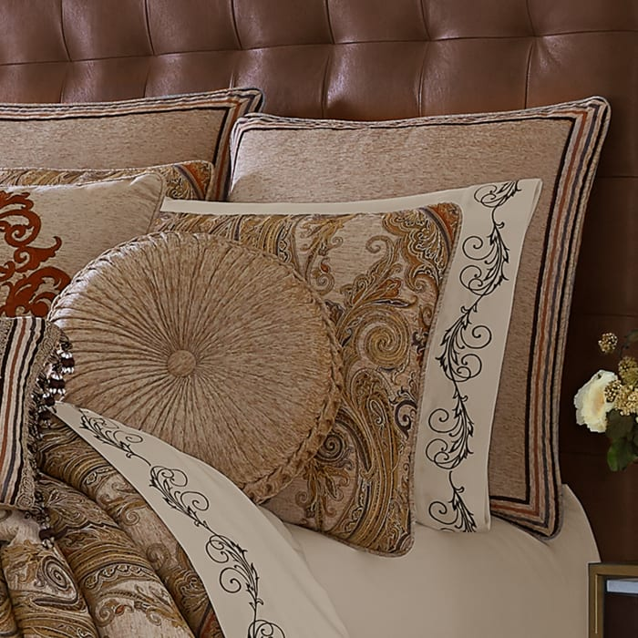 Lakeview Beige Queen 4Pc. Comforter Set