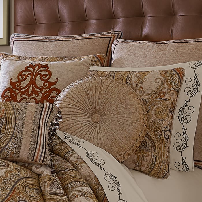 Lakeview Beige Tufted Round Decorative Throw Pillow
