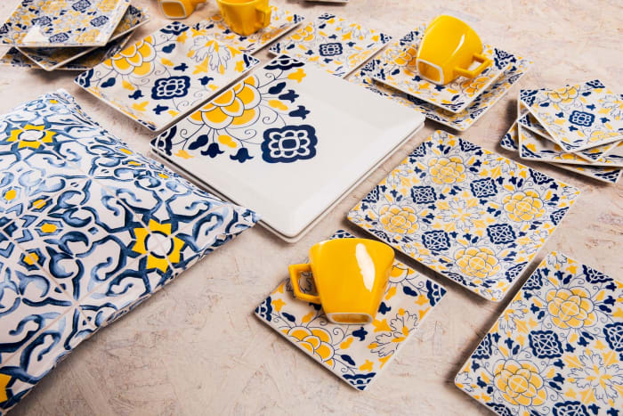 Coup 32 Piece Blue and Yellow Dinnerware Set