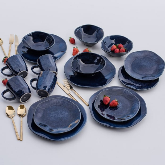 RYO 32 Piece Blue Dinnerware Set