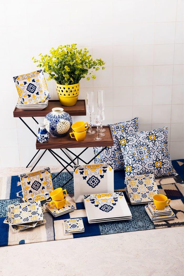 Quartier 24 Piece Blue and Yellow Dinnerware Set