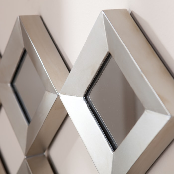 Diamonds Mirrored Squares with Sculpture