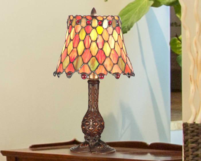 Manti Tiffany Accent Table Lamp