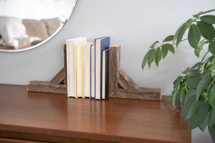 Natural Weathered Gray Set of 2 Corbel Book Ends