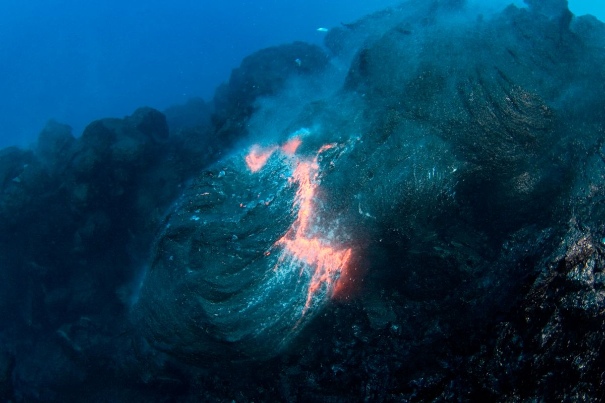 Types Of Lava Images Earth Lessons Dk Find Out