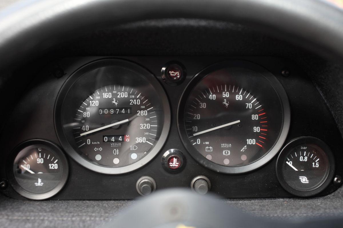 Ferrari F40 up close images