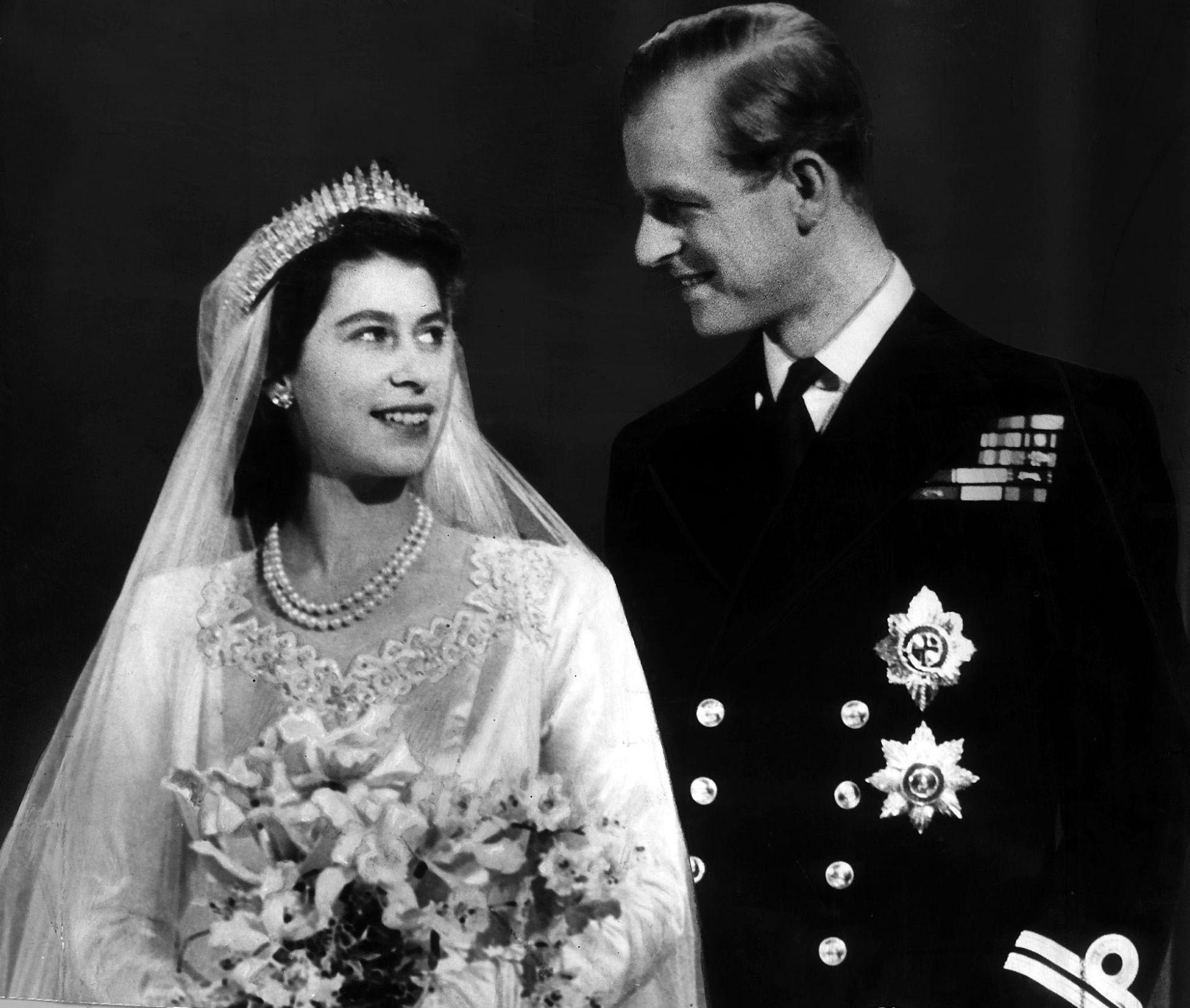Queen Elizabeth Ii Wedding.Queen Elizabeth Ii Marriage Facts Dk Find Out