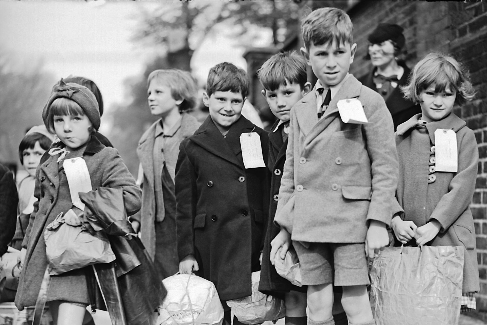 the evacuation of children in world In preparation for the war, evacuation plans were put into consideration to avoid possible danger on children primary children, toddlers under five and moms were.