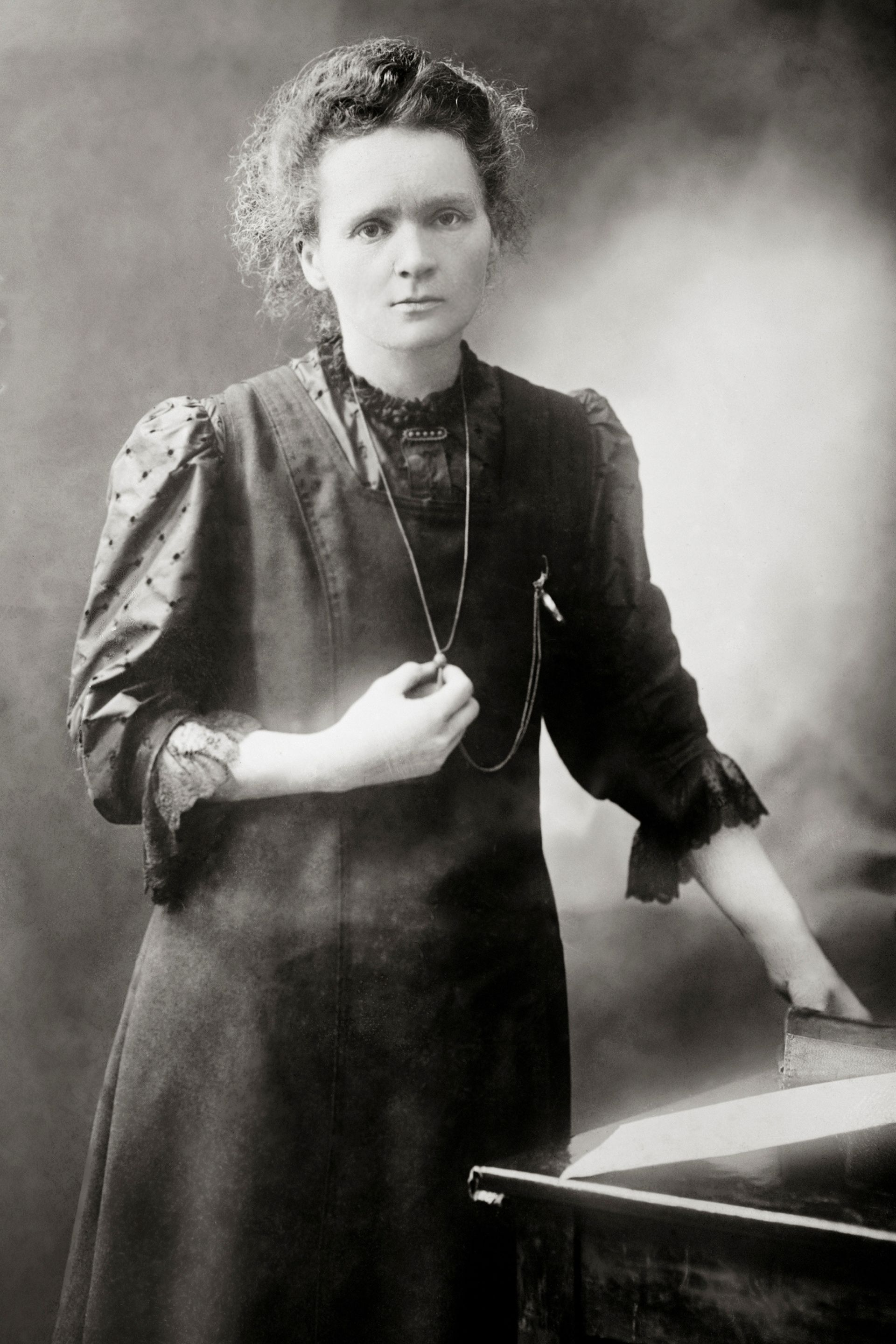 Marie Curie Facts Who Is Marie Curie Dk Find Out