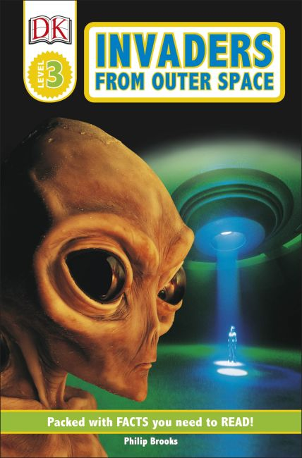 Paperback cover of DK Readers L3: Invaders From Outer Space