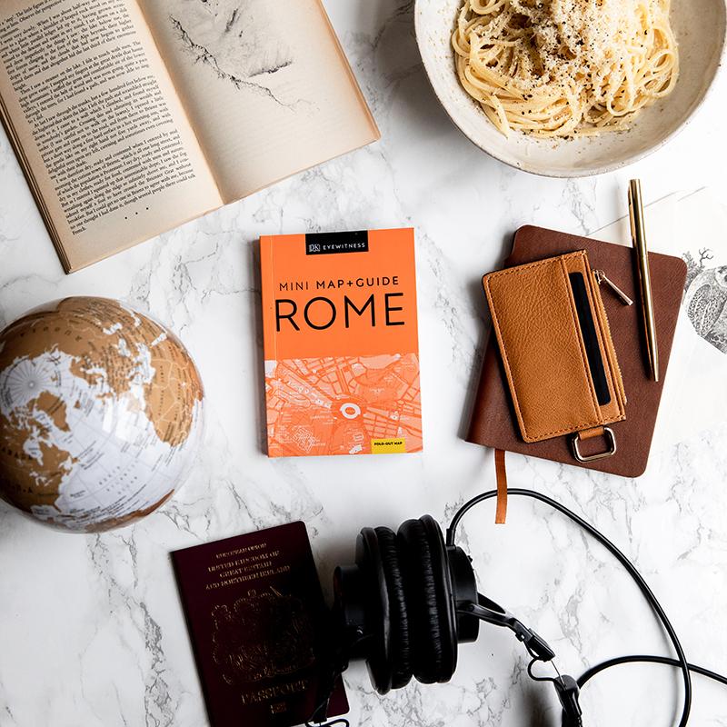 Mini Map & Guides Rome Flatlay jpeg