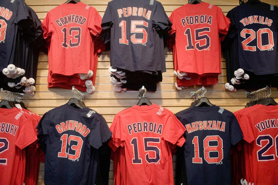 promo code d9bce ce9d6 Red Sox Team Store | Boston | DK Eyewitness Travel