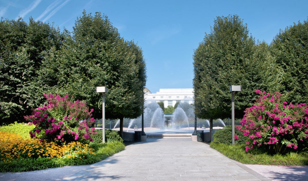 National Gallery Of Art Sculpture Garden | Washington, DC | DK Eyewitness  Travel