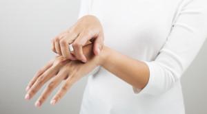 คันมือเกิดจากอะไร และรักษาได้อย่างไร