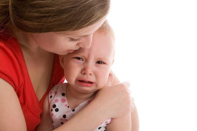 Bayi Menangis Terus? Tenangkan Dia dengan Cara Ini - Alodokter