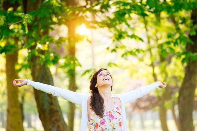 Manfaat Sinar Matahari yang Mengandung Vitamin D - Alodokter